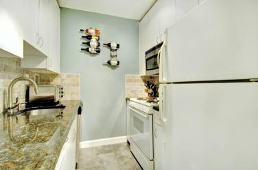 Just Listed – 2BR w/Den at 1175 York Street, 18M | This Braswellian Life